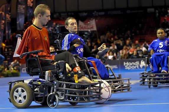 Coupe du monde de foot en fauteuil la france finit 3 me marcenac et ducros - Fauteuil massant belgique ...